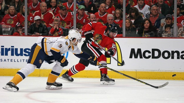 Blackhawks Defeat Predators, 4-3, to Take Series