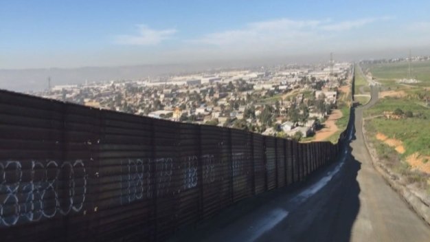 Contractors to Present Border Wall Prototypes in San Diego