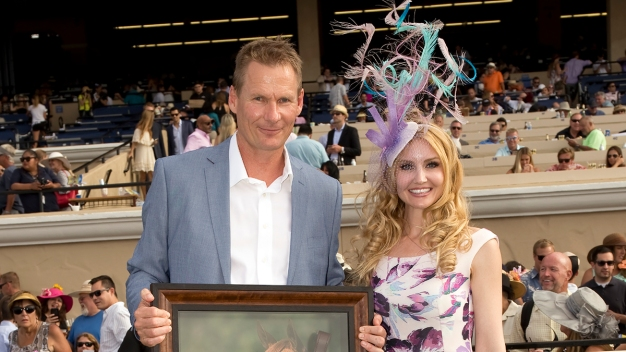 Hand-Sewn Fascinator Wins Del Mar Opening Day Hats Contest