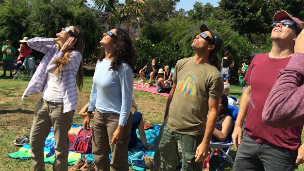 Crowds View Eclipse in Balboa Park