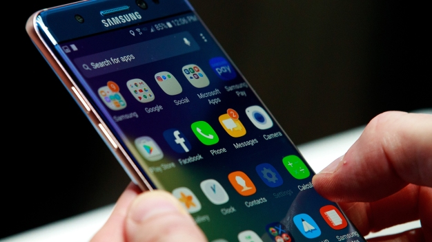 Samsung Braces for Recall, Apple Shines Amid Latest Release