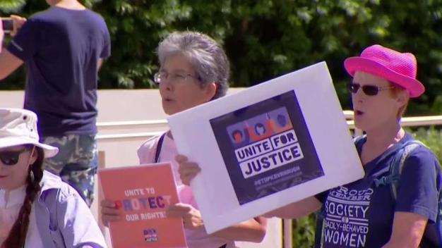 Locals Rally in Support of Dr. Chrisitne Blasey Ford