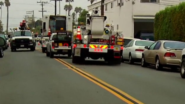 Ocean Beach Residents Wait as Crews Work on Gas Leak