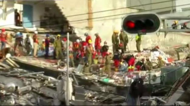 Rescue Workers Aid Mexico Earthquake Victims