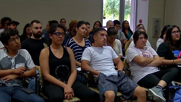 SoCal Students Watch Clinton-Trump Debate