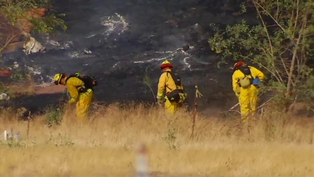 Crews Put Out Small Brush Fire in Lakeside