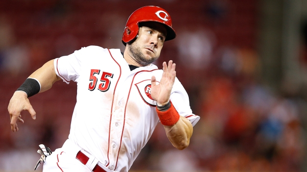 Skip Schumaker Agrees to Contract With San Diego Padres