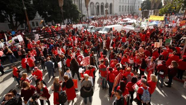 Smaller Class Sizes Not Proven to Do Better, But Teachers Strike for Them