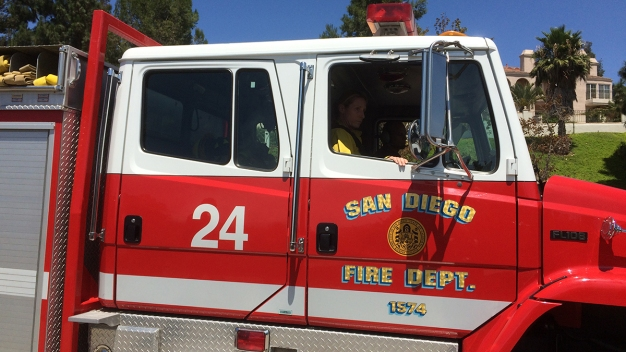 Fire Agencies Increase Staffing Amid Hot, Windy Weekend<br />