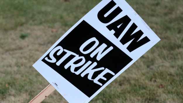 Auto Workers Strike Against GM