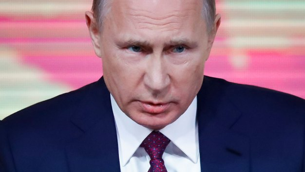 Putin Praises Trump, Says Collusion Claims Are 'Invented'
