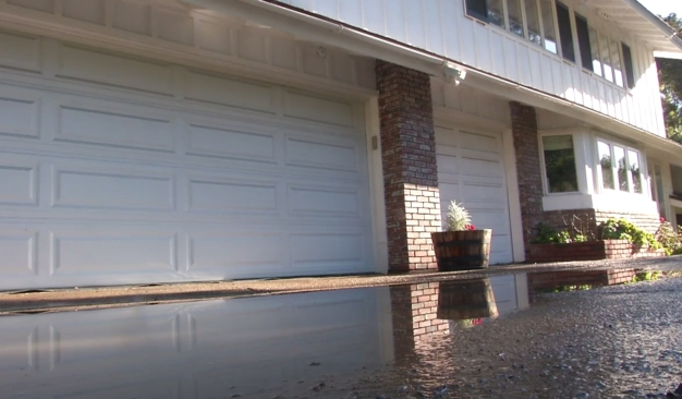 Broken Water Main Floods 2 Homes in La Jolla