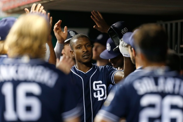 Padres Hit 4 Home Runs in Win