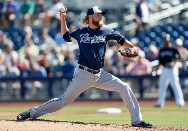 Padres Caravan to Stop at Madres Fundraiser