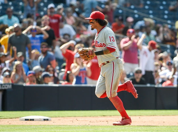 Phillies Use Triple Play to Beat Padres