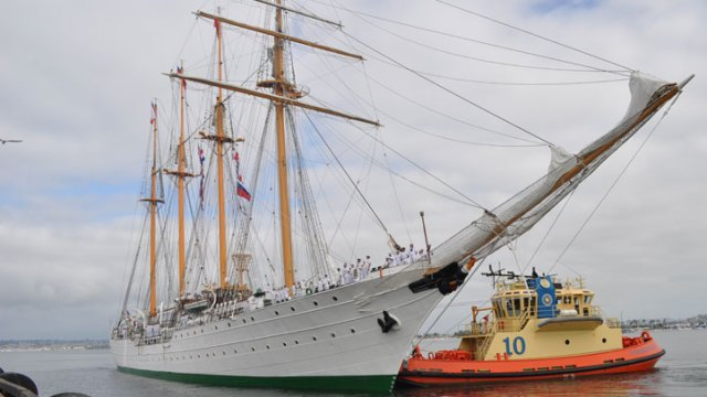 Tall Ship Esmeralda Sails into San Diego Bay