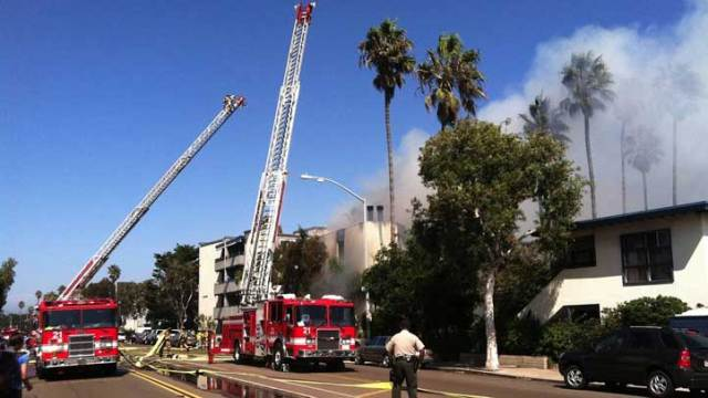 Fire Destroys Mission Beach Apartments: Images
