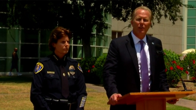 Mayor to Slain Officer's Kids: 'Your Dad is a Hero'<br />