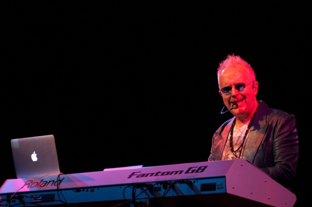 Howard Jones @ 4th & B