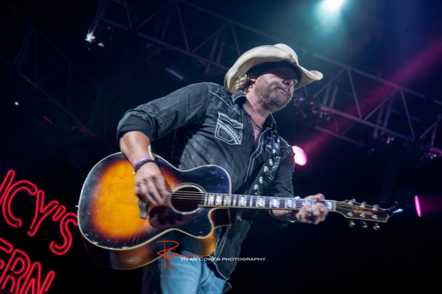 Toby Keith @ Cricket Wireless