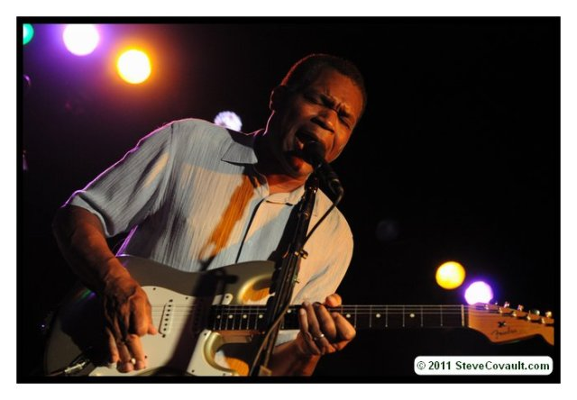 Robert Cray at the Belly Up