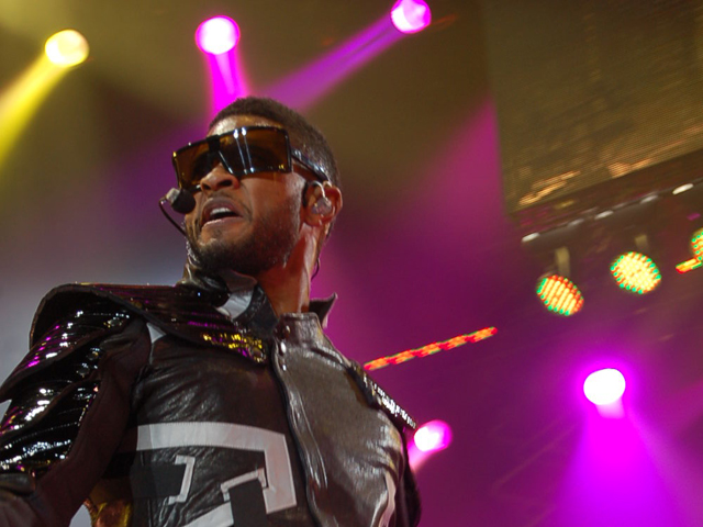 Screen Grabs: Usher at Valley View Casino Center
