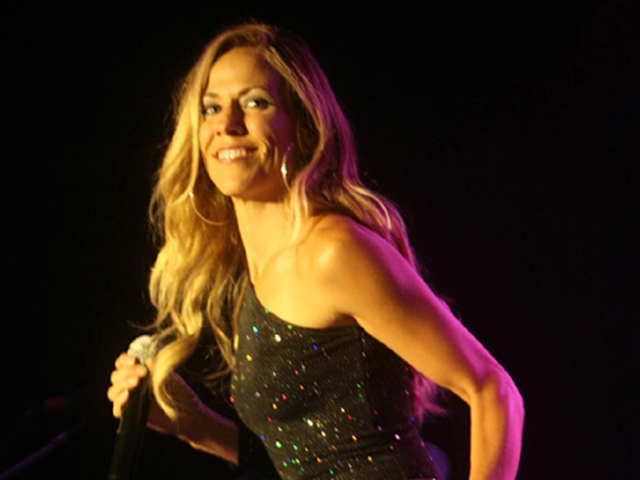 Screen Grabs: Sheryl Crow at Humphreys