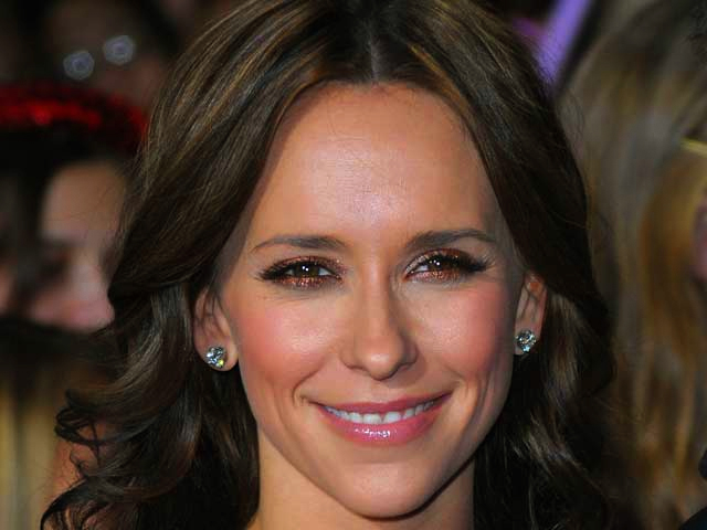 $2.895M for Jennifer Love Hewitt's Abode