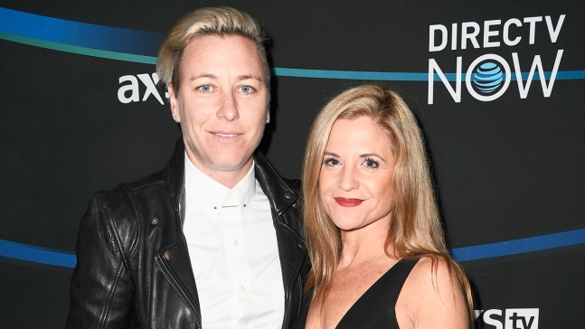 US Soccer Star Abby Wambach Gets Engaged