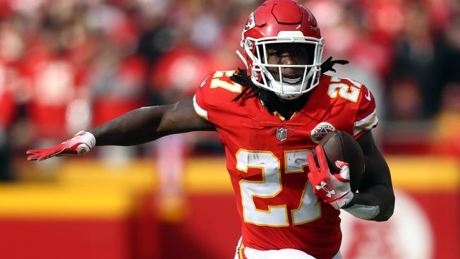 Browns Sign Running Back Kareem Hunt, on NFL exempt list for Shoving, Kicking Woman