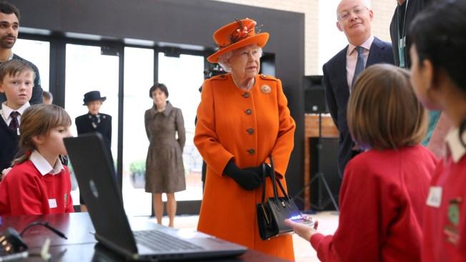 Insta-Monarch: Queen Elizabeth Makes First Instagram Post