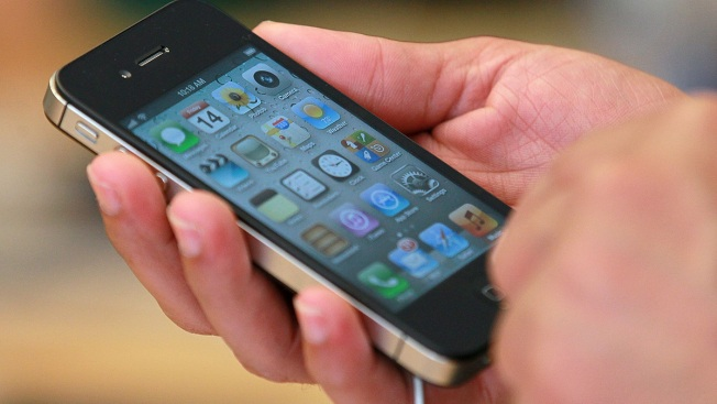 "Scientists Find iPhone ""Separation Anxiety"""