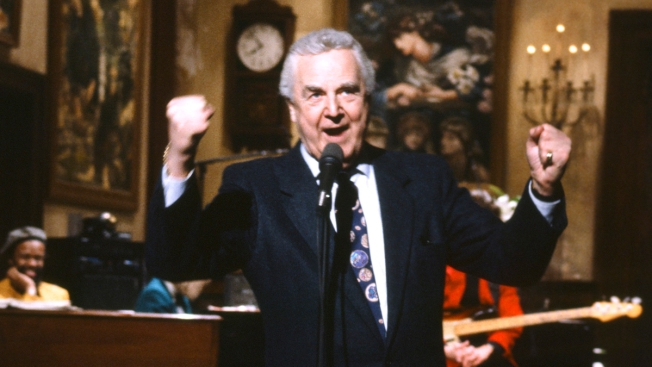 "Iconic ""SNL"" Announcer Don Pardo Dies"