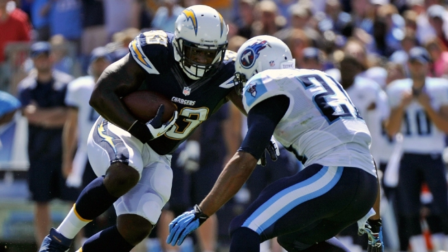 Despite Penalties, Titans Beat Chargers in Nashville 20-17