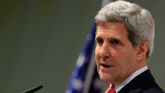 Kerry, Top Envoys Pressure Syria to Attend Peace Talks