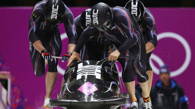 USA's Steven Holcomb Trails Russia in 4-Man Olympic Bobsled