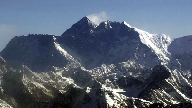 California Man Survives Avalanche on Mount Everest