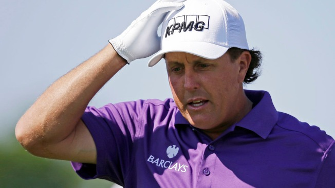 Golfer Phil Mickelson Says He's Cooperating in Trading Probe