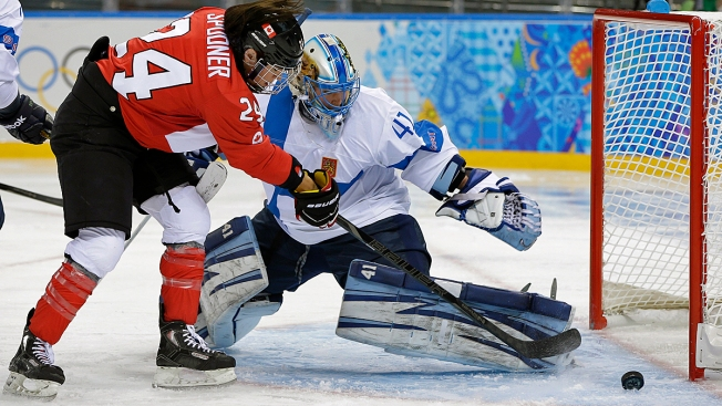 Canada Routs Finland 3-0 in Olympic Women's Hockey, Readies for Face-Off With Team USA