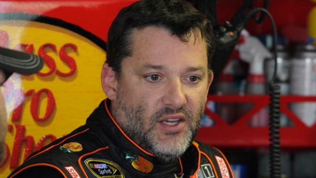 NASCAR's Tony Stewart Won't Race Sunday After Fatal Crash: Team