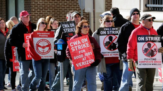 Striking Verizon Workers to Return Wednesday