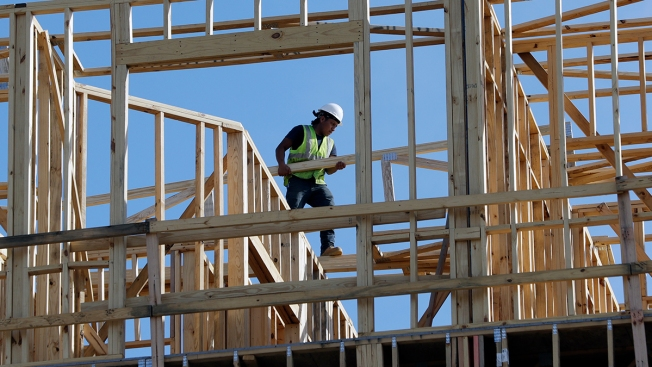 US Economy Grew at Solid 2.6 Percent Rate in Fourth Quarter