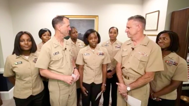 US Navy Now Allows Women to Wear Ponytails, Lock Hairstyles