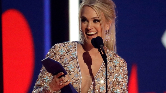 Carrie Underwood Continues Winning Streak at CMT Awards