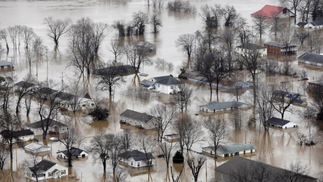 Southern States Brace for Mississippi River Floods as St Louis Cleans Up