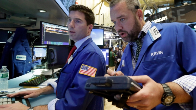 Dow notches first close above 19000