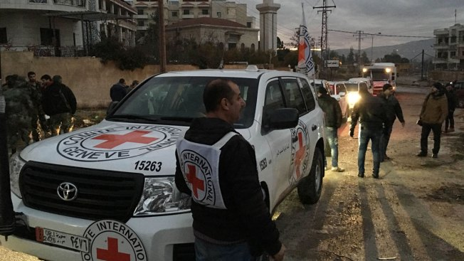 Aid Convoys Reach 3 Syrian Communities Besieged for Months