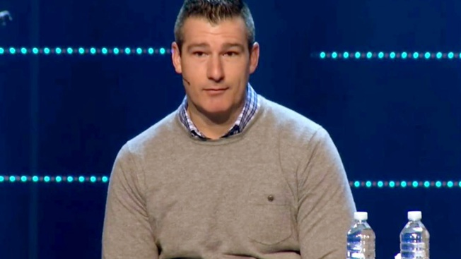 Megachurch Pastor Gets Standing Ovation After Admitting to 'Sexual Incident' With Teen