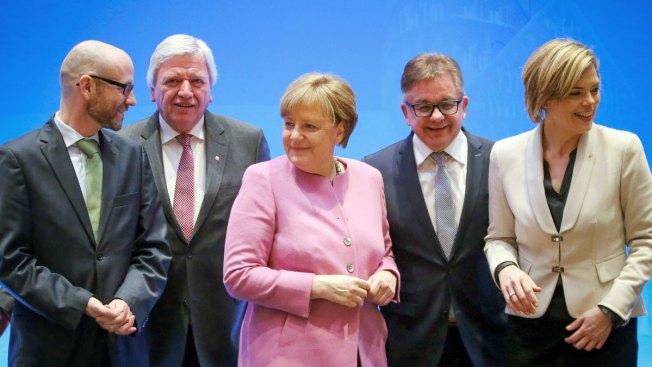 Cologne attacks: Merkel considers tougher migrant laws