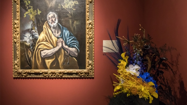 [G] Museum's Exhibition Recreates Famous Works With Flowers